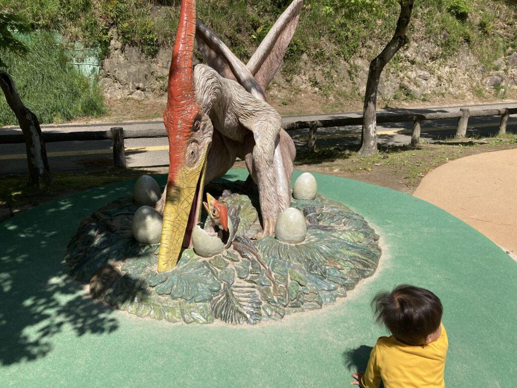 東岡崎公園恐竜3